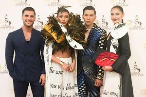 Ngọc Tình và Diệu Huyền làm vedette ở tuần lễ thời trang Couture Fashion Week tại New York
