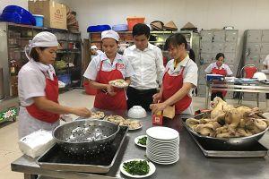 Nâng cao chất lượng bữa ăn ca của người lao động: Sự quan tâm thiết thực của tổ chức Công đoàn
