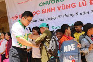 Người lao động PVFCCo 'tiếp sức học sinh vùng lũ đến trường'