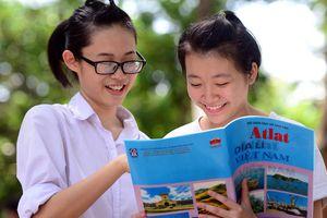 'Bộ GD&ĐT ôm đồm sách giáo khoa dẫn đến tiêu cực'