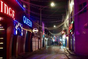 Góc khuất phố đèn đỏ: Bi kịch cô gái trẻ bỏ nhà ra sống tự lập
