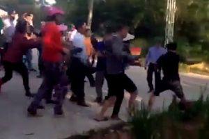 Xác minh nhóm thanh niên xăm trổ bịt kín mặt hành hung phụ nữ trong thôn