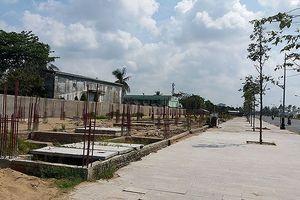 Thi công dự án dọc sông Tiền như 'rùa bò' khiến dân bức xúc
