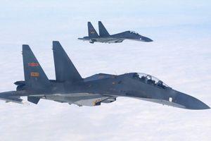 Trung Quốc đưa tiêm kích ra diễn tập trên Biển Đông nhằm trả đũa Mỹ?