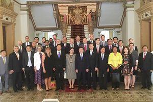 Trao đổi về Nghị quyết 54 giữa lãnh đạo TPHCM và đoàn lãnh sự