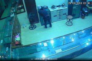 Nghệ An: Tiệm vàng bị đột nhập, mất nhiều tài sản giá trị khoảng 700 triệu