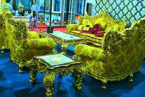 Đại gia Hà Nội gây 'sốc' với bộ sofa dát vàng hơn nửa tỷ đồng