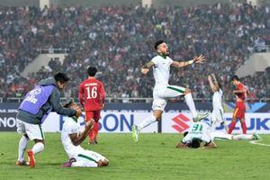 Cầu thủ Việt Nam và Thái Lan đều sợ đá trên sân Indonesia