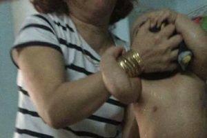 Cô giáo mầm non bóp mặt, tát trẻ khi cho ăn gây phẫn nộ