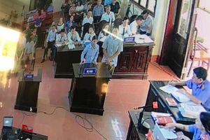 Vụ xử bác sĩ Hoàng Công Lương: 'Sáng chồng lái xe đi chạy thận, trưa bác sĩ gọi tôi vào phòng báo tử vong do sốt cao'