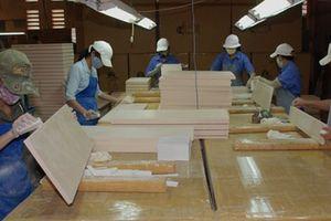 Xuất khẩu đồ gỗ bội thu