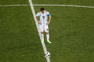 C ch bt thng báo hiu cn ác mng vi Messi cùng ng i