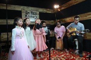40 tuổi, Bông Mai 'khởi nghiệp' với nhạc thiếu nhi