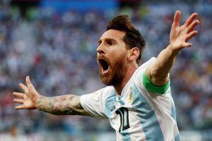 Messi mang 'lá bùa' t ngi ph n vô danh
