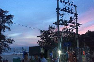 Đường điện trên đảo Cô Tô đã hoạt động sau nhiều ngày bị hỏng do sét đánh
