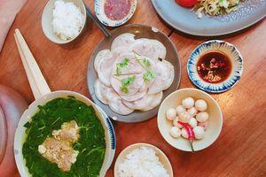 Những mâm cơm 'ngon nhất thế giới' của người trẻ Việt
