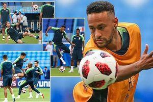 Bị cười nhạo, Neymar cắt phăng mái tóc 'mì sợi' trước trận đại chiến với Mexico