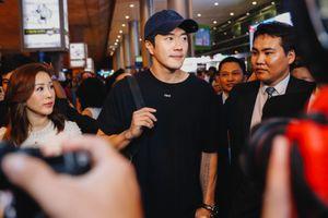 Đến Sài Gòn, Kwon Sang Woo vẫn điển trai ở tuổi 42