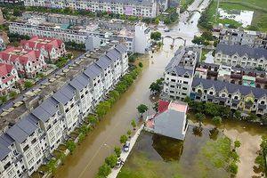 Sau ngập, 'làng' biệt thự triệu đô lộ nhiều bất cập