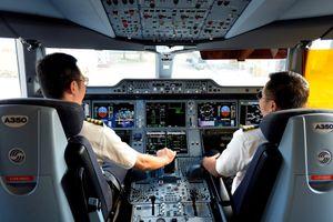 Yêu cầu Vietnam Airlines giải trình về tiêu cực đào tạo phi công