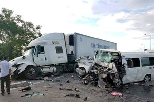 Vì sao đường xảy ra tai nạn 13 người chết không có dải phân cách cứng?