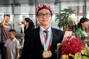 Trò chuyện nhanh cùng 2 chàng trai 'vàng' Việt Nam