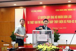 Bộ Công Thương ủng hộ gần 2 tỷ đồng tới nhân dân Lào