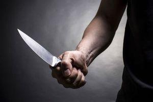 Nhắc lại 'thù hận' cũ, nam thanh niên bị bạn nhậu đâm trọng thương