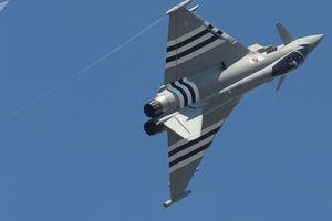 Máy bay chiến đấu Tây Ban Nha bắn nhầm tên lửa