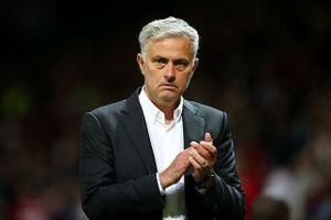 Thắng trận mở màn, Mourinho vẫn chỉ trích tất cả