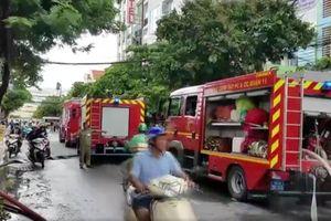 Hỏa hoạn thiêu rụi 3 ô tô cùng nhiều tài sản tại quận Tân Bình