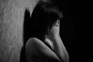 Bắt tạm giam kẻ giao cấu bé gái bị tâm thần dẫn đến sinh con