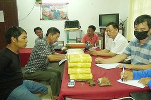 Bắt trùm ma túy người Lào mang theo vũ khí 'nóng' đi giao hàng