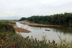 Đà Nẵng nhiễm mặn nghiêm trọng: Nhiều đoạn hạ lưu sông Vu Gia cạn trơ đáy!