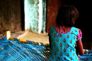 Hà Tĩnh: Bé gái khuyết tật bẩm sinh nghi bị nam thanh niên hiếp dâm