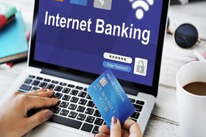 Chủ tài khoản ngân hàng có thể dùng Internet Banking, SMS Banking để chuyển thuê bao 11 số thành 10 số