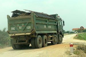 Lực lượng giám sát mỏng, tình trạng xe quá tải chưa hạ nhiệt