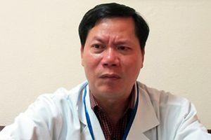 Bác sĩ Lương cẩu thả khi dùng nước lọc thận