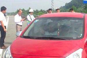 Truy tìm nữ tài xế phóng xe ngược chiều trên cao tốc Hà Nội – Lào Cai