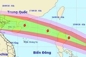 Siêu bão Mangkhut giật trên cấp 17, sức gió tối thiểu 200km/h, áp sát Biển Đông