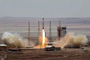 Iran sở hữu tên lửa chính xác tuyệt đối, hủy diệt mục tiêu bán kính 2.000km