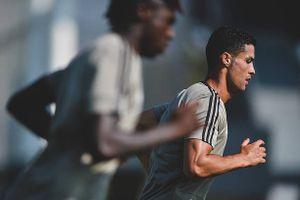 Tập 'điên cuồng', Ronaldo quyết tâm khai hỏa ở Serie A