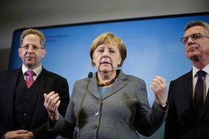 Thủ tướng Đức Merkel đối mặt khủng hoảng mới trong liên minh
