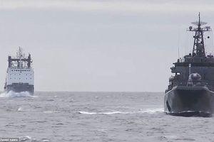 Hải quân Nga phô diễn sức mạnh gần lãnh thổ Mỹ