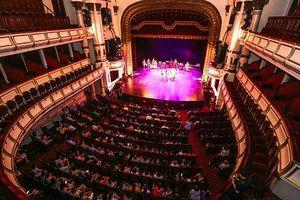 Tại sao nghệ thuật đỉnh cao 'chết yểu' trong Nhà hát lớn?