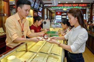 Giá vàng hôm nay 15/9: Vàng thế giới 'đổ đèo', giảm sốc 12 USD/Ounce