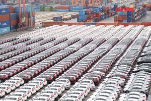 Gần 10 nghìn ô tô ồ ạt nhập khẩu vào Việt Nam