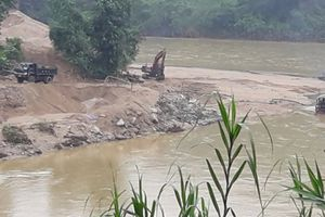 Lào Cai: Xử phạt 150 triệu đồng với 'bà trùm' cát tặc ở Bảo Yên