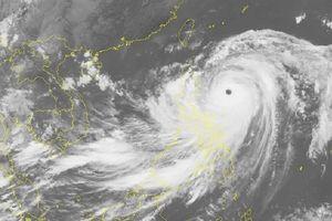 Chuẩn bị đón siêu bão đổ bộ: Trung Quốc hủy nhiều chuyến bay và tàu cao tốc
