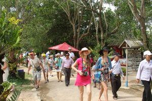 Các tỉnh Nam Trung Bộ bàn cách hợp tác phát triển du lịch lâu dài